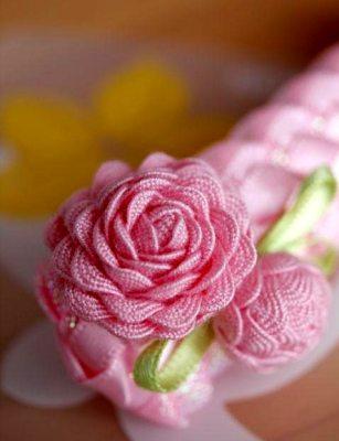 роза из тесьмы зиг заг своими руками