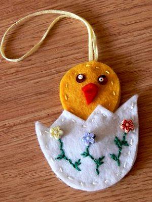 цыпленок вылез из яйца пасхальный сувенир ручной работы из флиса