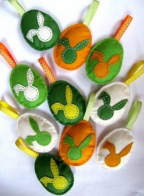 пасхальные яйца из флиса с аппликациями зайками своими руками