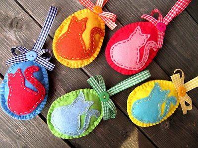 пасхальные яички ручной работы из флиса с аппликациями кошками своими руками