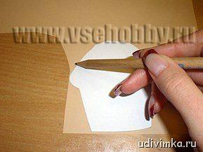 переносим шаблоны кексов на цветную бумагу