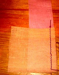 шьем лоскутный блок колодец своими руками без выкройки пришиваем к центральному квадрату первую полоску ткани