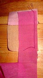 шьем лоскутный блок колодец своими руками без выкройки пришиваем к центральному квадрату вторую полоску ткани