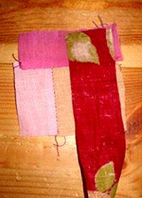 шьем лоскутный блок колодец своими руками без выкройки пришиваем к центральному квадрату третью полоску ткани