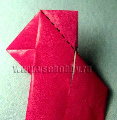 Отгибаем длинную бумажную полоску вниз