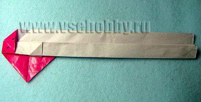 нижнюю треть бумажной полоски загибаем вверх
