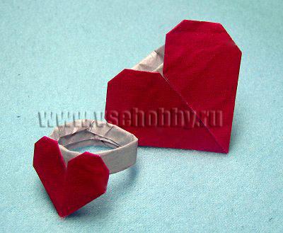 фотография готового колечка оригами с сердечком для любимой