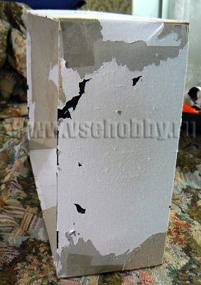 снимаем с коробки верхний скользкий слой бумаги