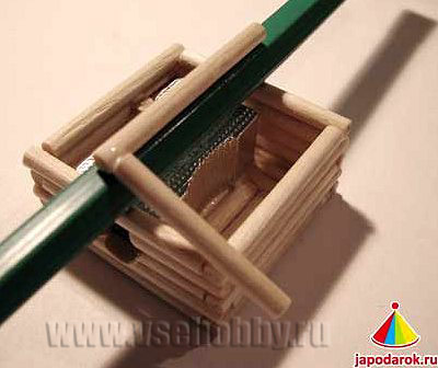 клеим опору для крыши китайского домика точилки ручной работы