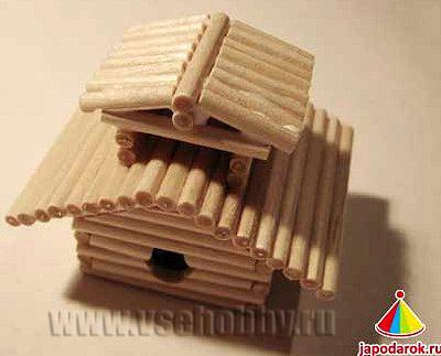 второй ярус крыши китайского домика ручной работы уложен