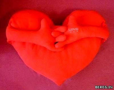 валентинка подушка с ручками сердечко ручной работы