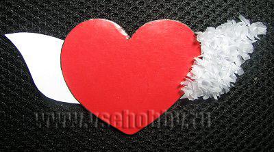 одно крыло сердечка в технике торцевания готово