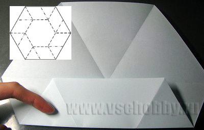 сгибаем край шестиугольника к серединке