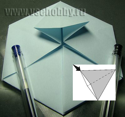 снежинка оригами своими руками раскрываем уголочек плоско