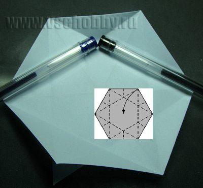 сгибаем деталь там где для наглядности лежат ручки