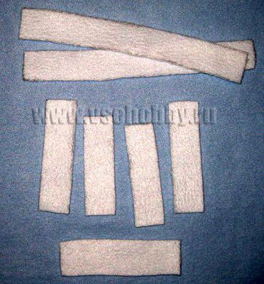 белые бейки для окантовки одежды и передней планки курточки новогодней куклы Тильды деда мороза