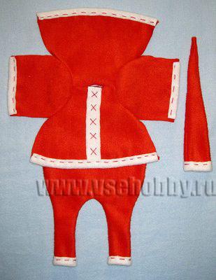 одежда новогодней куклы Тильды деда мороза ручной работы готова