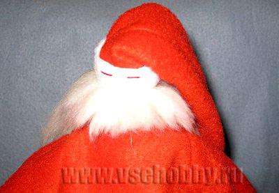 пришиваем новогодней кукле тильде деду морозу волосы на затылке