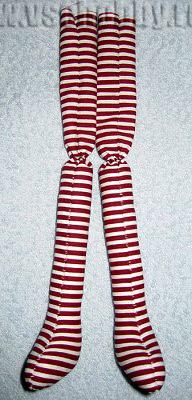 набитые и собранные ножки деда Мороза новогодней Тильды ручной работы