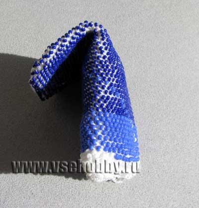 Кошелёк вязание с бисером вид сбоку
