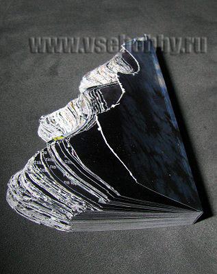 вырезаемые контуры ёлочки меняются от одной стороны журнала к другой