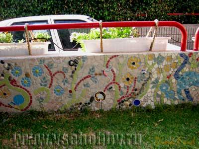 Забор с мозаикой своими руками