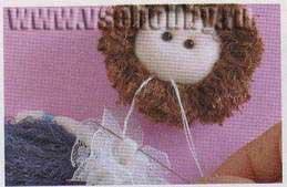 Пришиваем голову куклы к телу