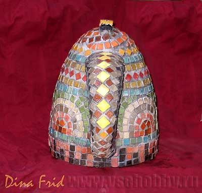 Чайник украшенный мозаикой своими руками, вид сзади