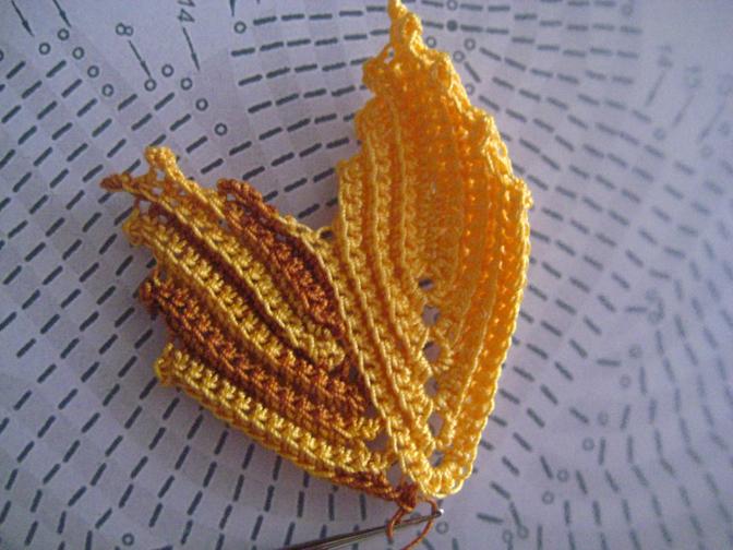 кленовый лист крючком