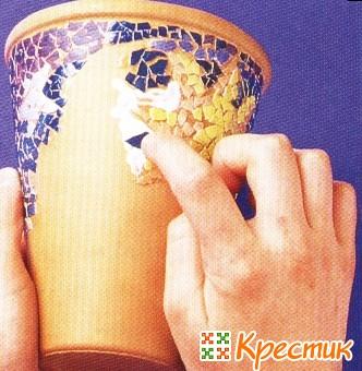Декупаж вазы яичной скорлупой