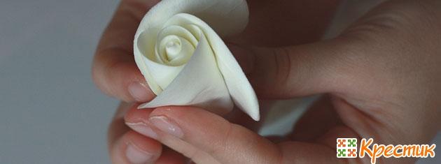 Бутоньерка из полимерной глины своими руками 3