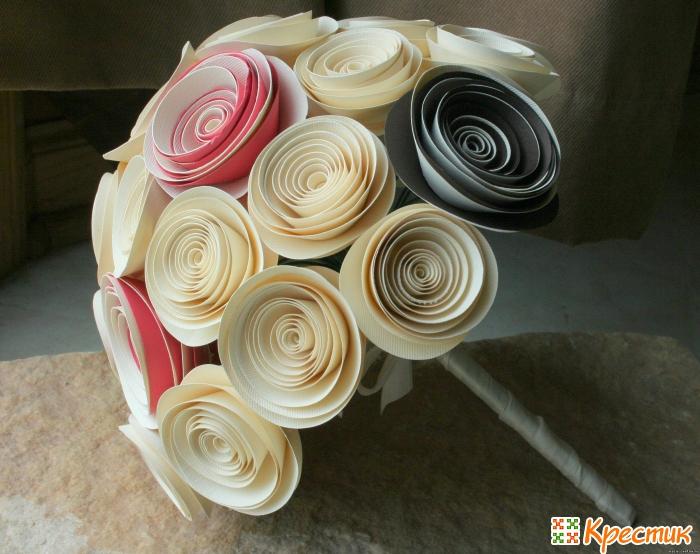 Как сделать букеты из искусственных цветов своими