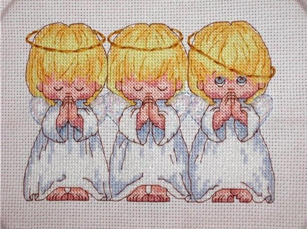 Как оформить вышивку дома