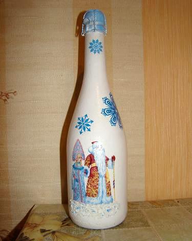Новогодняя бутылка шампанского в технике декупаэ