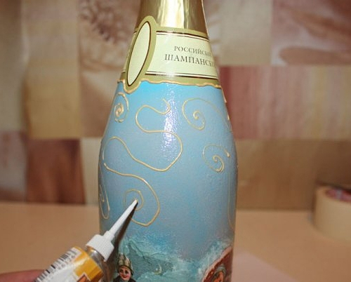 Рисунок контуром на бутылке