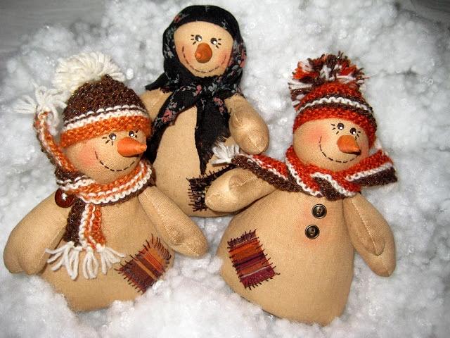 Кофейные снеговики из ткани