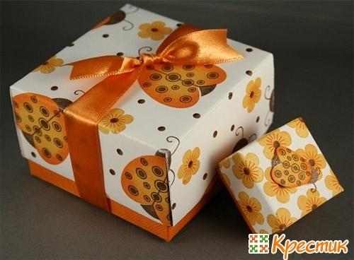 Коробочка для упаковки подарка