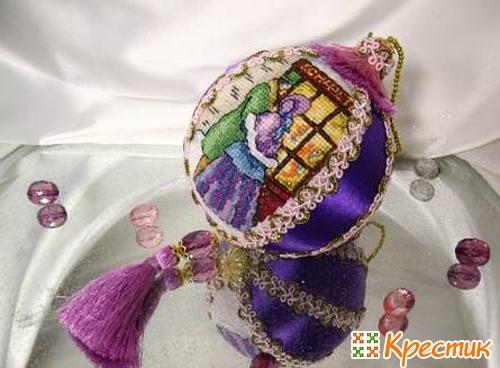 Новогодний шар с вышивкой