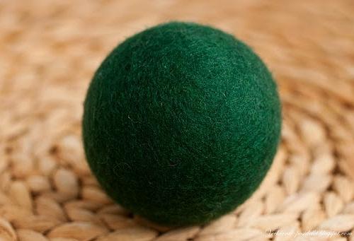 Валяние шарика