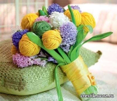букет из цветов и ниток