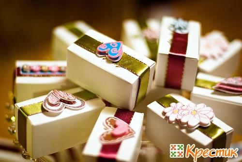 Упаковка подарка на 14 февраля