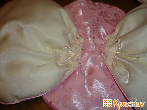 Диванная подушка роза
