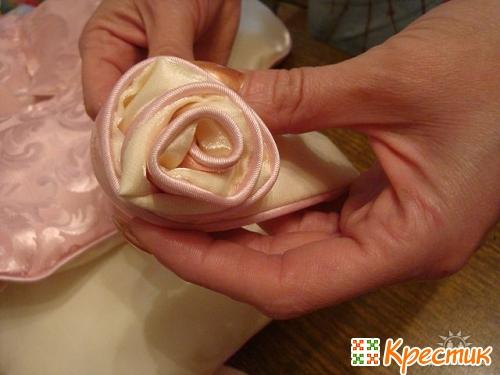 Подушка роза фото