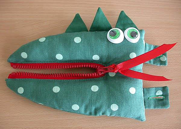 Развивающая игрушка Крокодил