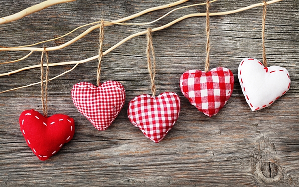 Сердечки-валентинки из ткани своими руками