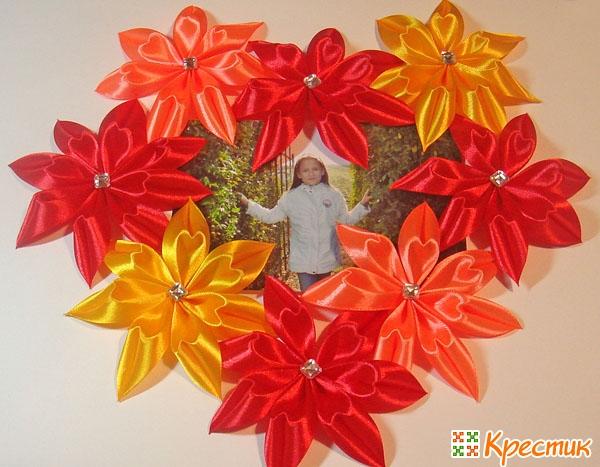 Цветы канзаши из лепестков сердечек