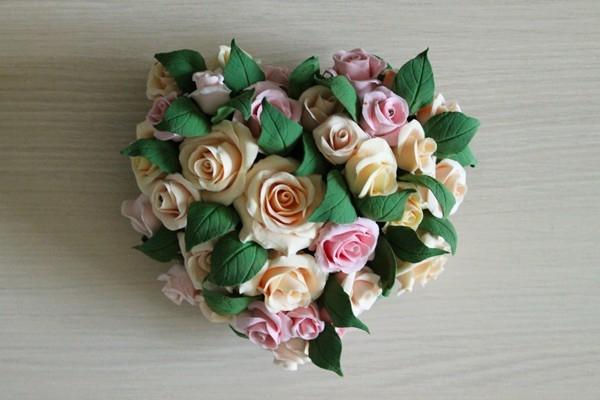 Букет из роз из глины