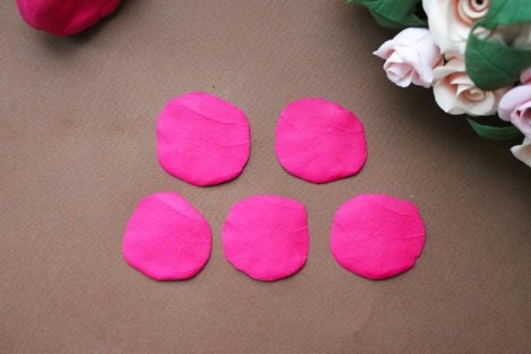 Естественная фактура лепестка розы
