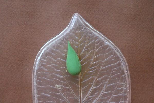 Как делать листья из полимерной глины