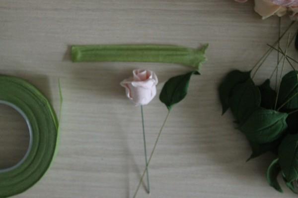 Как прикрепить листья к стеблю